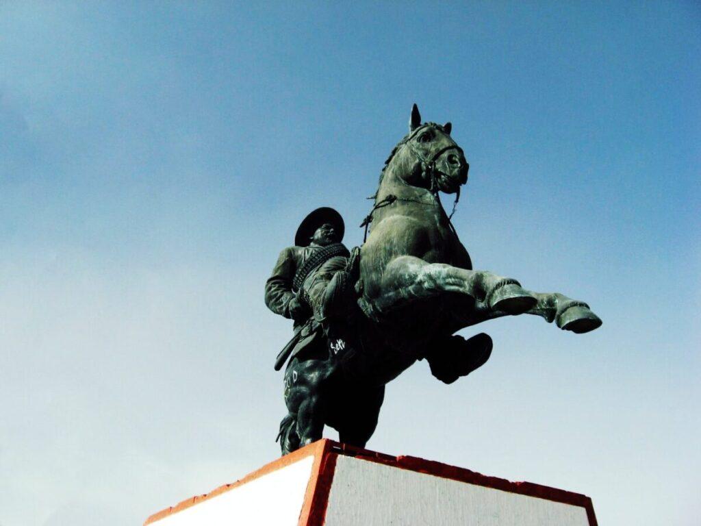 Monumento a Francisco Villa en Gómez Palacio Durango