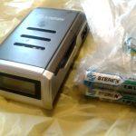 Cargador y baterías de la marca Steren