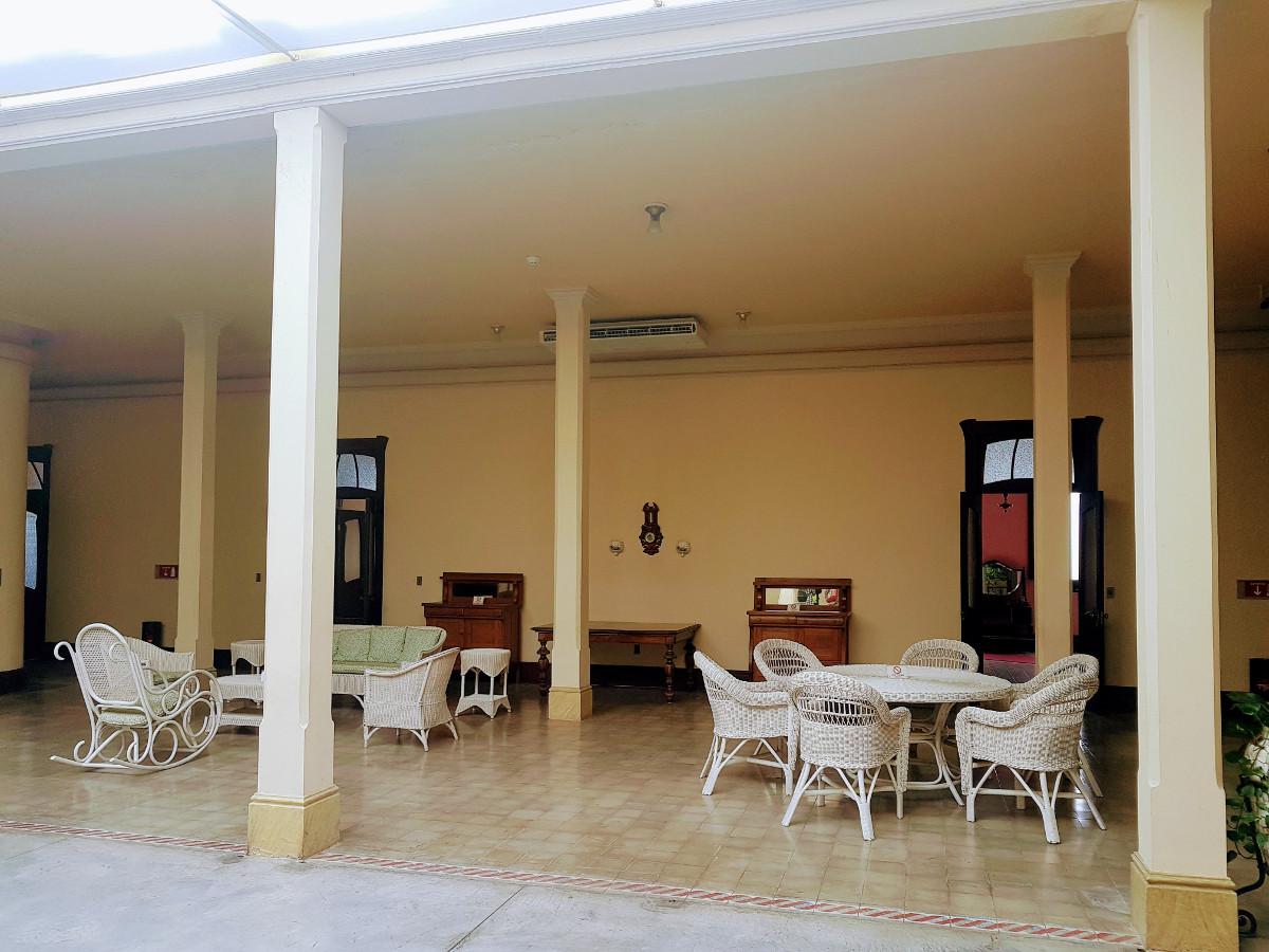 Interior de la casa de la familia Arocena
