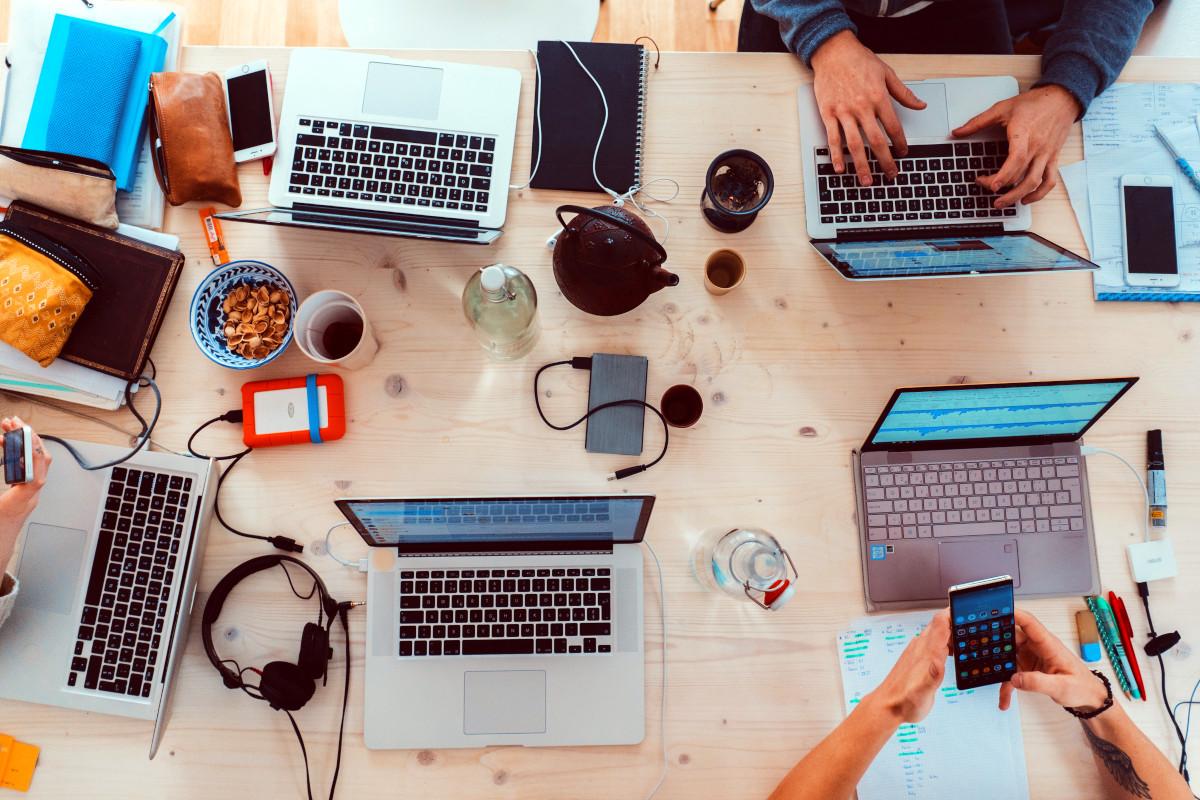 laptops y celulares