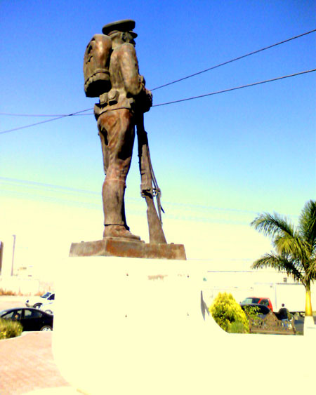 Monumento al soldado en Gómez Palacio